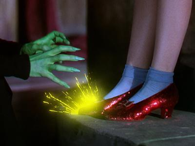 The Wizard of Oz, from Left: Margaret Hamilton, Judy Garland, 1939