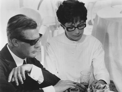 8 1/2, from Left: Marcello Mastroianni, Anouk Aimee, 1963