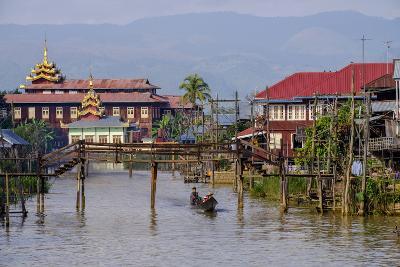 Village of Ywarma (Ywama), Stilt Houses, Inle Lake, Shan State, Myanmar (Burma), Asia
