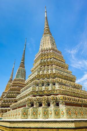 Stupas at Wat Pho (Temple of the Reclining Buddha), Bangkok, Thailand, Southeast Asia, Asia