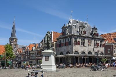 Town Square with Statue of Jan Pieterszoon Coen, Dutch East India Company, Hoorn, Holland, Europe