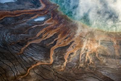Grand Prismatic Spring in Yellowstone National Park's Middle Geyser Basin