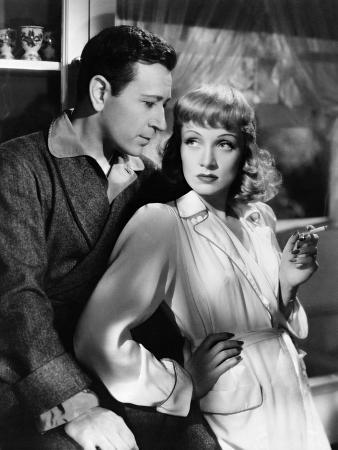 Marlene Dietrich, George Raft, Manpower, 1941