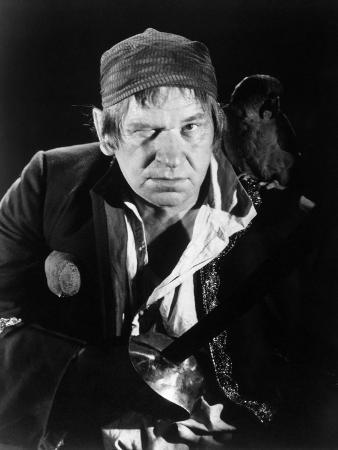 Wallace Beery, Treasure Island, 1934