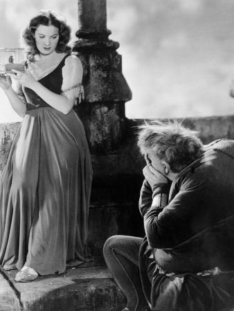 Maureen OHara, Charles Laughton. the Hunchback of Notre Dame, 1939