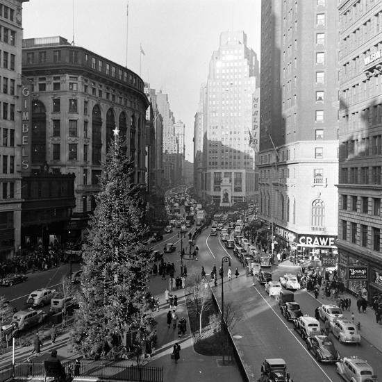 Christmas Tree On 52nd Street Next To Gimbels Department