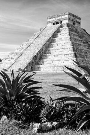 ¡Viva Mexico! B&W Collection - Pyramid of Chichen Itza IV