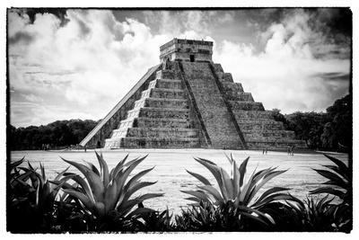¡Viva Mexico! B&W Collection - Pyramid of Chichen Itza V