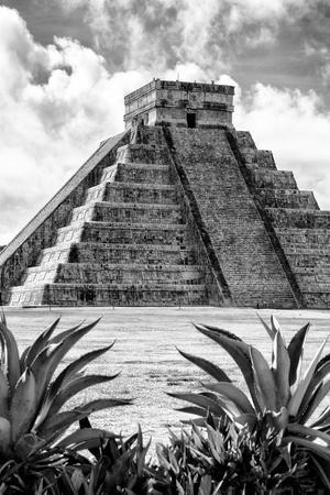 ¡Viva Mexico! B&W Collection - Pyramid of Chichen Itza IX