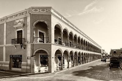 ¡Viva Mexico! B&W Collection - Campeche Architecture