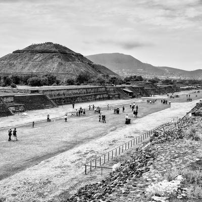 ¡Viva Mexico! Square Collection - Teotihuacan Pyramids B&W