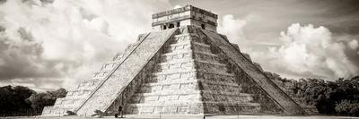 ¡Viva Mexico! Panoramic Collection - El Castillo Pyramid in Chichen Itza V