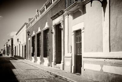 ¡Viva Mexico! B&W Collection - Campeche Street Scene II