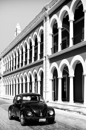 ¡Viva Mexico! B&W Collection - Black VW Beetle Car in Campeche IV