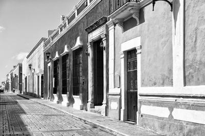 ¡Viva Mexico! B&W Collection - Campeche Street Scene