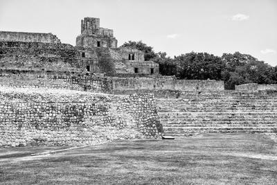 ¡Viva Mexico! B&W Collection - Maya Archaeological Site I - Edzna