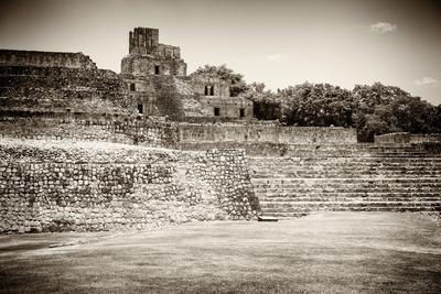 ¡Viva Mexico! B&W Collection - Maya Archaeological Site - Edzna