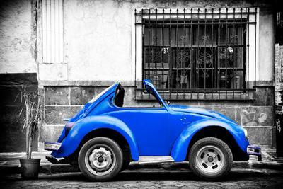 ¡Viva Mexico! B&W Collection - Small Red Royal Blue Beetle Car