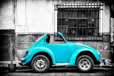 ¡Viva Mexico! B&W Collection - Small Turquoise VW Beetle Car