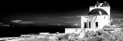 ¡Viva Mexico! Panoramic Collection - White House B&W - Isla Mujeres