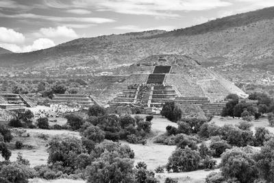 ¡Viva Mexico! B&W Collection - Teotihuacan Pyramids III - Archaeological Site