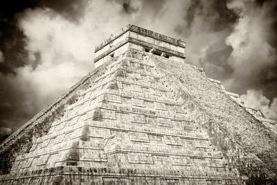 ¡Viva Mexico! B&W Collection - Chichen Itza Pyramid XIII