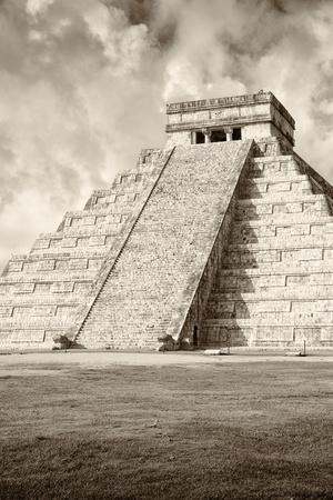 ¡Viva Mexico! B&W Collection - Chichen Itza Pyramid VIII