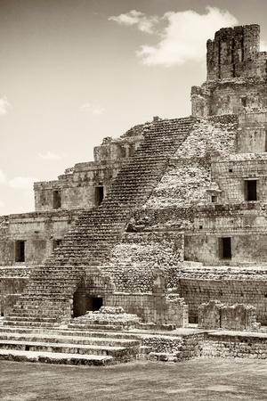 ?Viva Mexico! B&W Collection - Maya Archaeological Site IV - Campeche