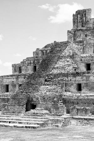 ¡Viva Mexico! B&W Collection - Maya Archaeological Site V - Campeche