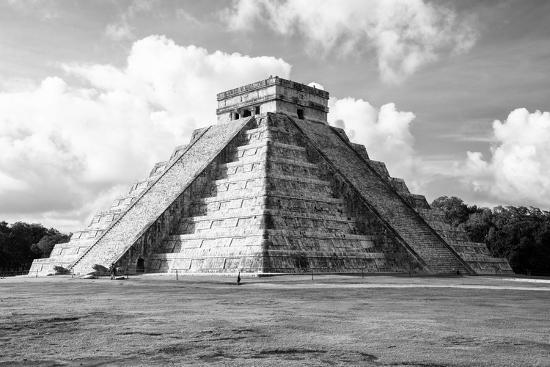 Viva Mexico B W Collection El Castillo Pyramid In Chichen Itza I Photographic Print Philippe Hugonnard Allposters Com