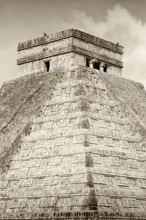 ¡Viva Mexico! B&W Collection - Pyramid Chichen Itza III