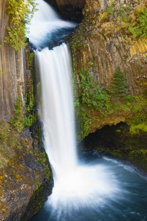 Toketee Falls, Umpqua National Forest, Oregon, Usa