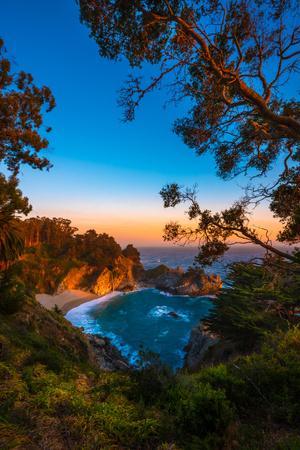 Mcway Falls Julia Pfeiffer Burns State Park, Near Carmel California Usa