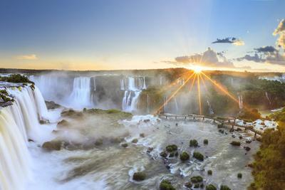Brazil, Iguassu Falls National Park (Cataratas Do Iguacu), Devil's Throat (Garganta Do Diabo)
