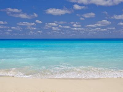 Turquoise Water and Soft Beaches Create a Paradise at Cancun, Mexico
