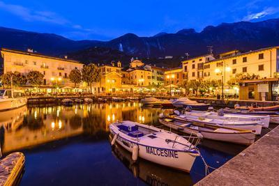 Italy, Veneto, Lake Garda, Malcesine, Harbour Against Monte Baldo