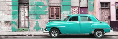 Cuba Fuerte Collection Panoramic - Turquoise Vintage American Car in Havana
