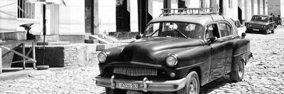 Cuba Fuerte Collection Panoramic BW - Retro Taxi in Trinidad
