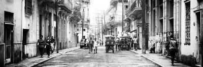Cuba Fuerte Collection Panoramic BW - Street Scene in Havana III