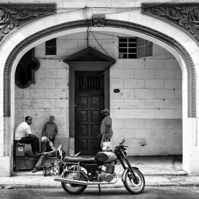 Cuba Fuerte Collection SQ BW - Living in Havana