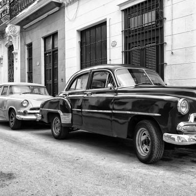 Cuba Fuerte Collection SQ BW - Two Classic Cars