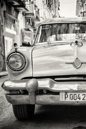 Cuba Fuerte Collection B&W - Old American Taxi Car III