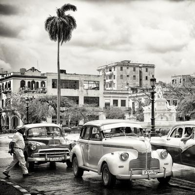 Cuba Fuerte Collection SQ BW - Urban Scene in Havana