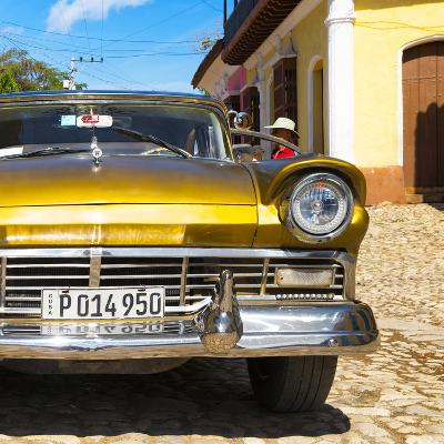 Cuba Fuerte Collection SQ - Close-up of American Classic Golden Car II