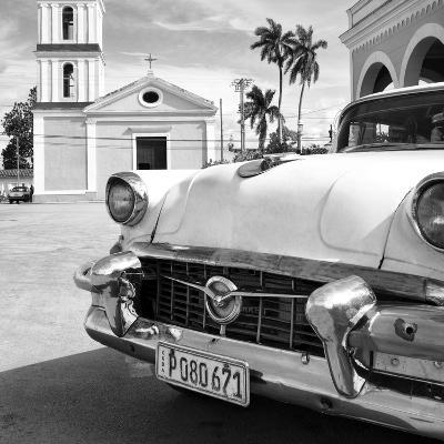 Cuba Fuerte Collection SQ BW - Classic Car in Santa Clara II