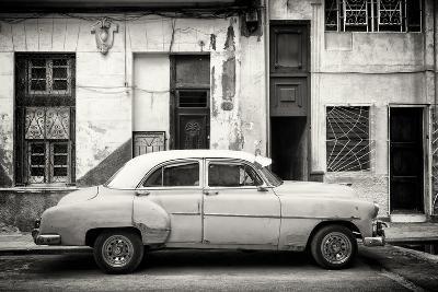 Cuba Fuerte Collection B&W - Classic American Car in Havana Street III