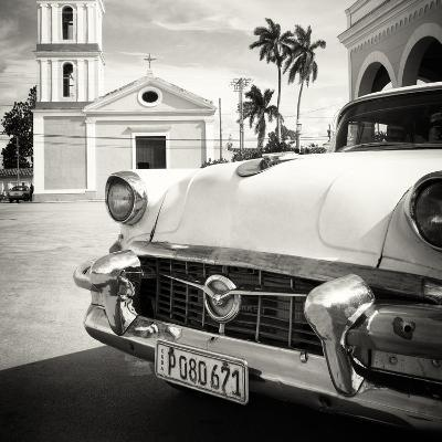 Cuba Fuerte Collection SQ BW - Classic Car in Santa Clara