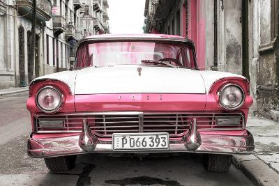 Cuba Fuerte Collection - Old Ford Pink Car