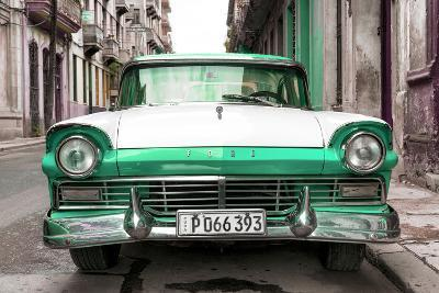 Cuba Fuerte Collection - Old Ford Green Car