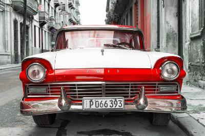 Cuba Fuerte Collection - Old Ford Red Car
